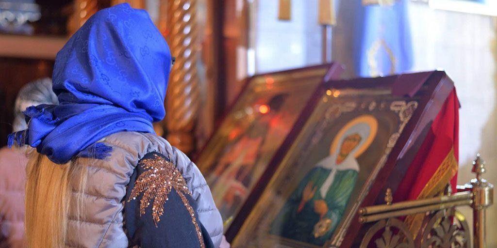Икона Матроны в церкви